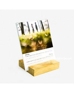 Lịch đế gỗ để bàn